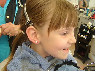 Lauras Shop....lacey earrings....kayla brows 006